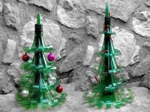 Sapin de Noël en bouteilles de plastique