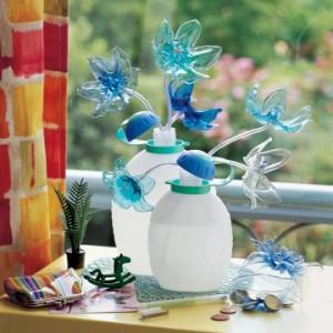 Marie-Claire, un bouquet de fleurs en plastique