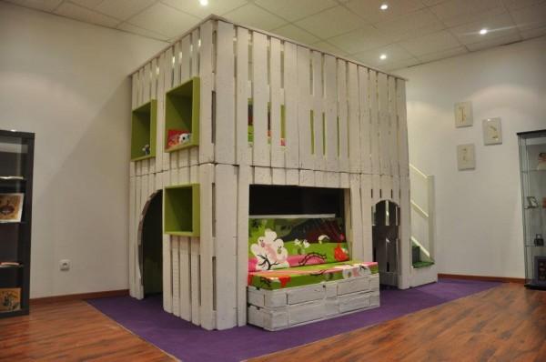 Cabane pour enfants en palettes