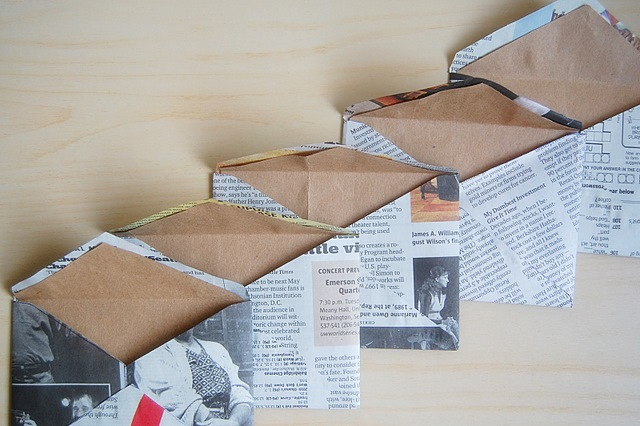 Enveloppes recylées journaux